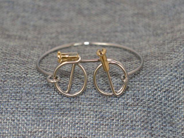 Wheeling Free Bracelet