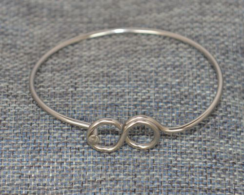 Infinity Bracelet small infinity sign